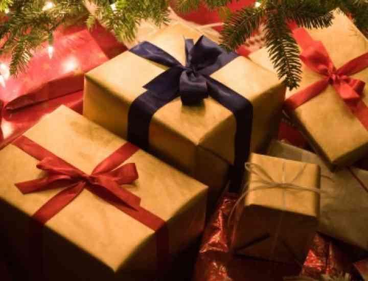 IDEI DE CADOURI de CRĂCIUN. Ce cadouri să le iei celor dragi, de Crăciun