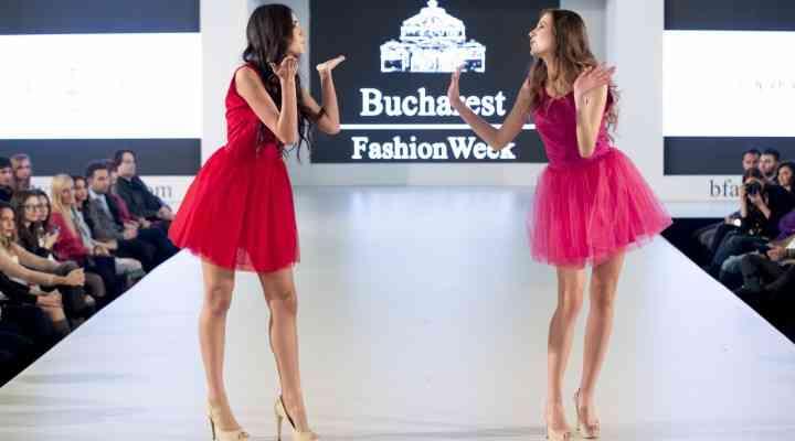 Rochiile pastelate, preferatele designerilor de la Bucharest Fashion Week. Testează una la petrecerea de Revelion FOTO