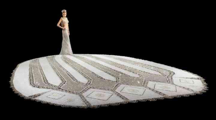 Cum arată rochia de mireasă de 182 de kg creată de o artistă americană