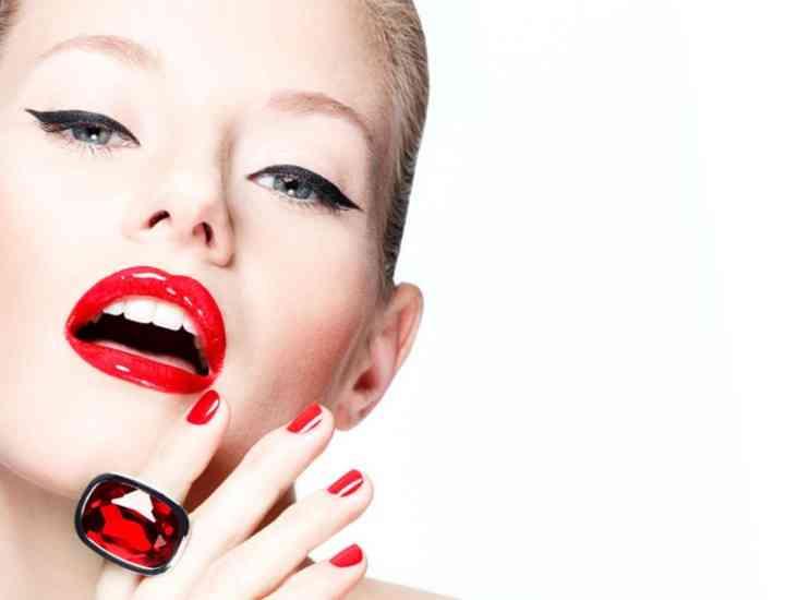 Cum să porți rujul roșu în funcție de culoarea pielii