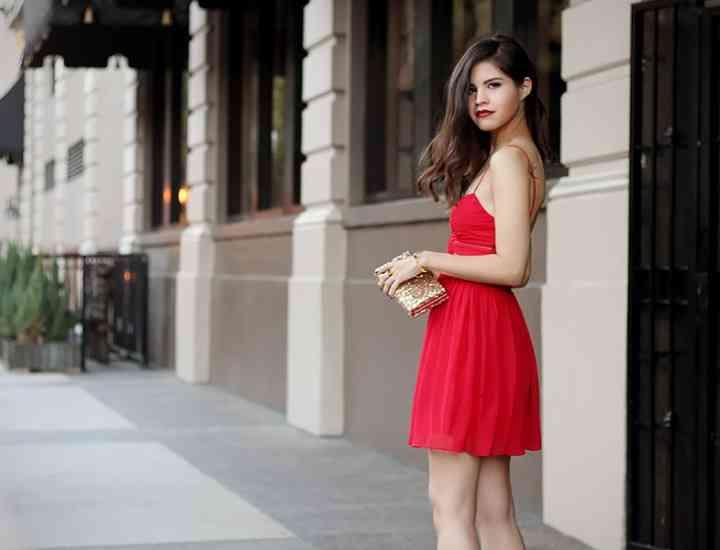 Este oficial! Femeile în roșu sunt mai atrăgătoare pentru bărbați! Iată cum să îl porți la prima întâlnire!