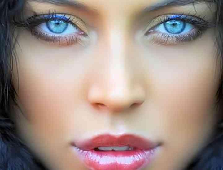 Greşeli frecvente de aplicare a machiajului care fac ochii să pară mai mici