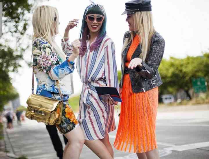 Cum să porți rochiile casual pe stradă