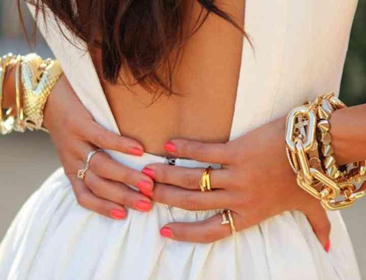 Rochia cu spatele gol este la modă vara asta!