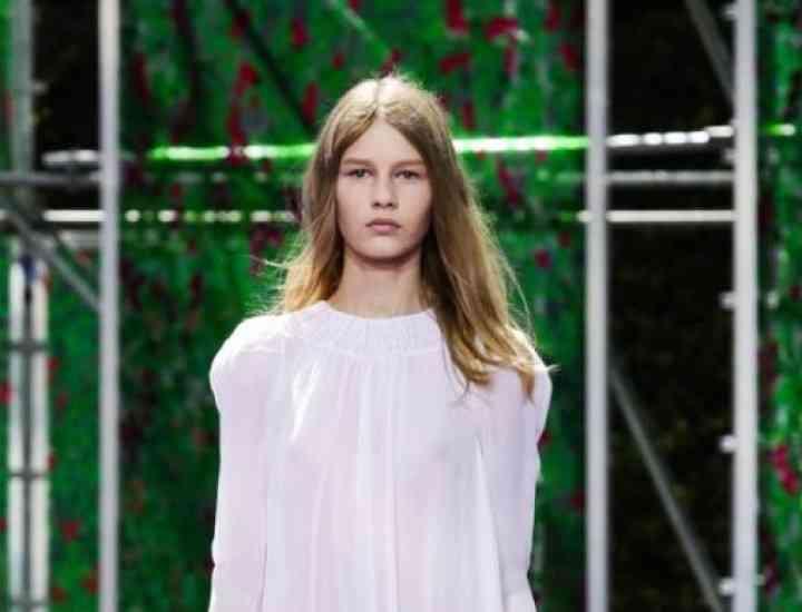 Noua imagine Dior este o copilă israeliancă de 14 ani