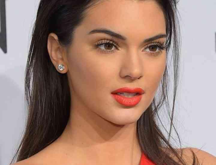 Inspiră-te din stilul modelului Kendall Jenner