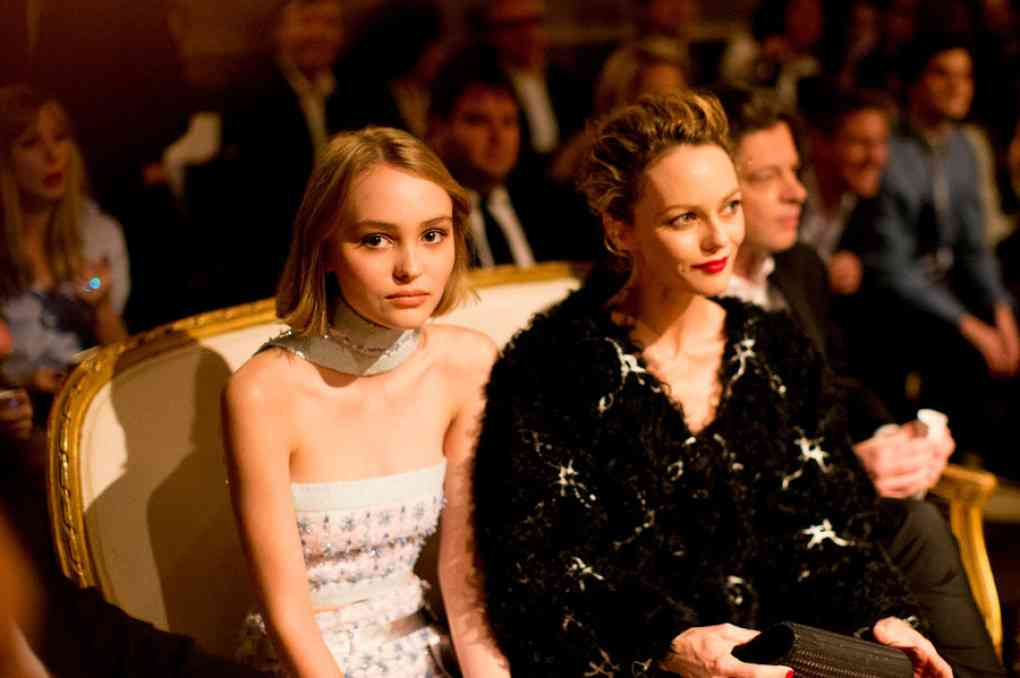 Lily–Rose-Depp-mother-1020x678