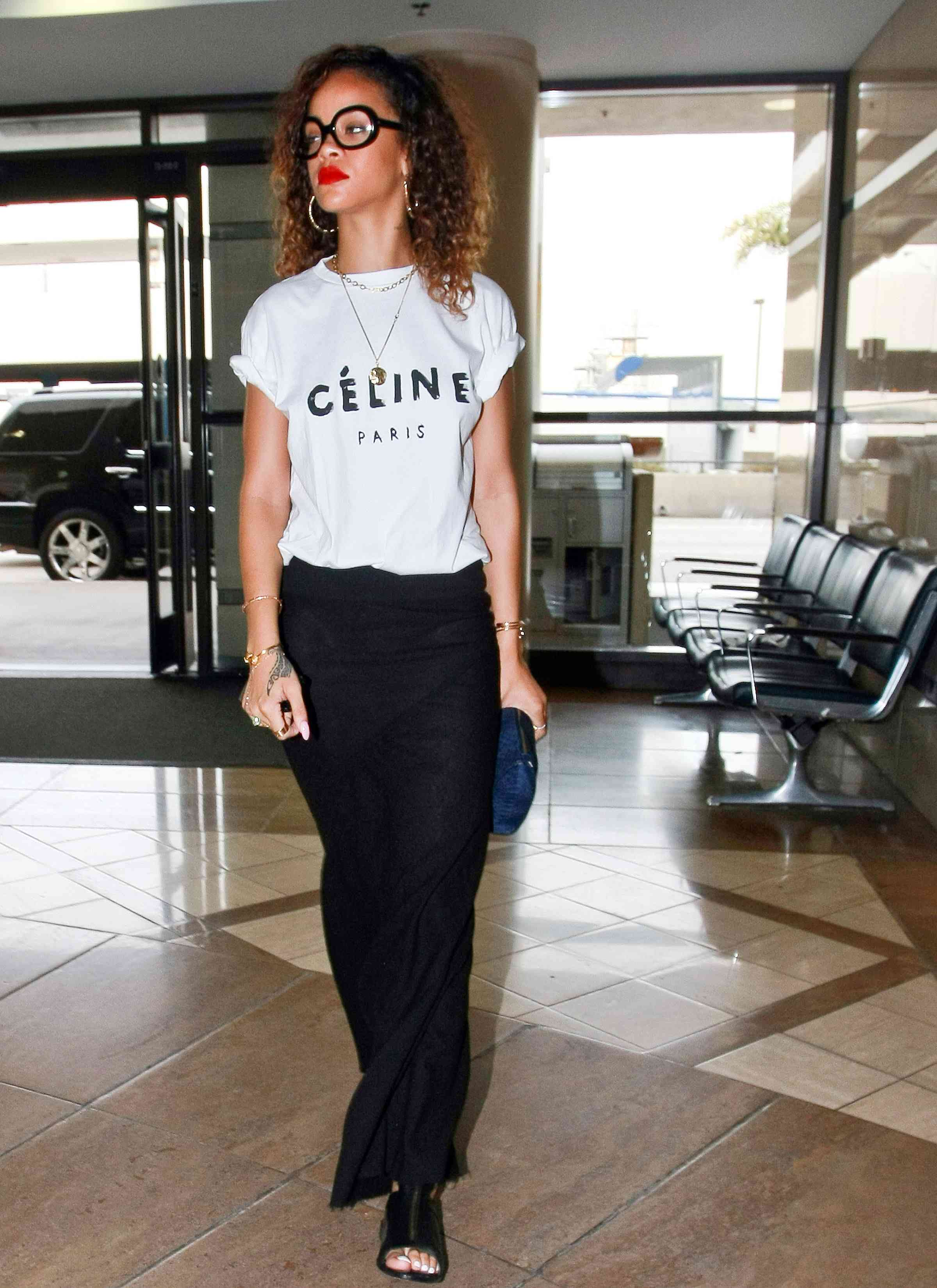 8577106 Rihanna shows off her special style in Los Angeles, CA on January 14, 2012 as she makes her way to the airport.  FameFlynet, Inc. - Santa Monica, CA, USA - +1 (310) 395-0500