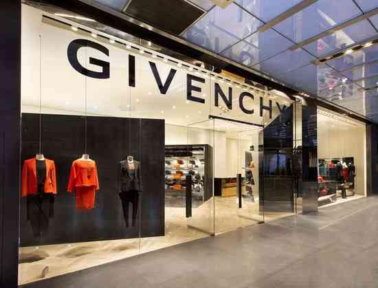 Givenchy magazine
