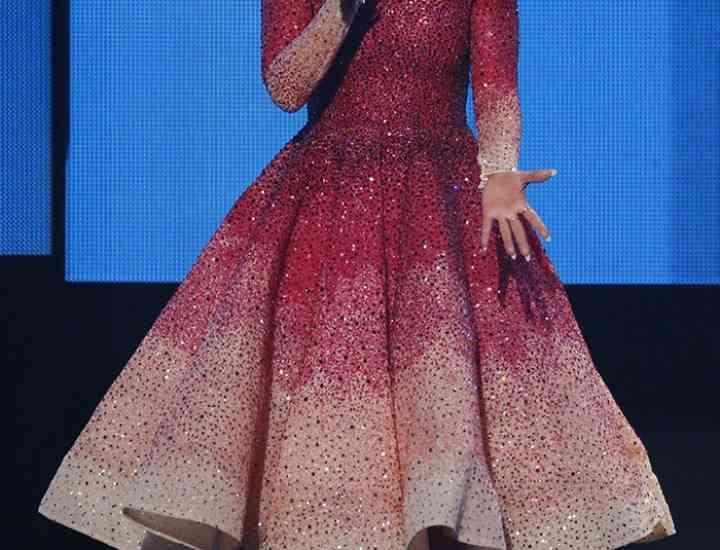 Jennifer Lopez și ținutele sale de la American Music Awards