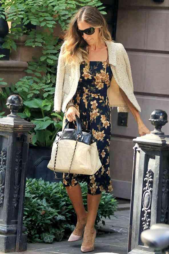 sarah jessica parker rochie cu floricele de toamna