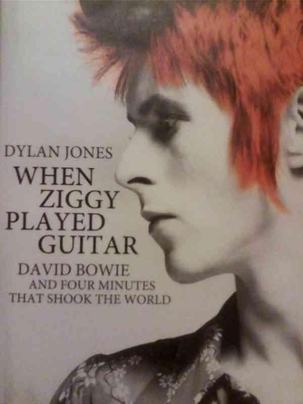 Dylan-Jones carti