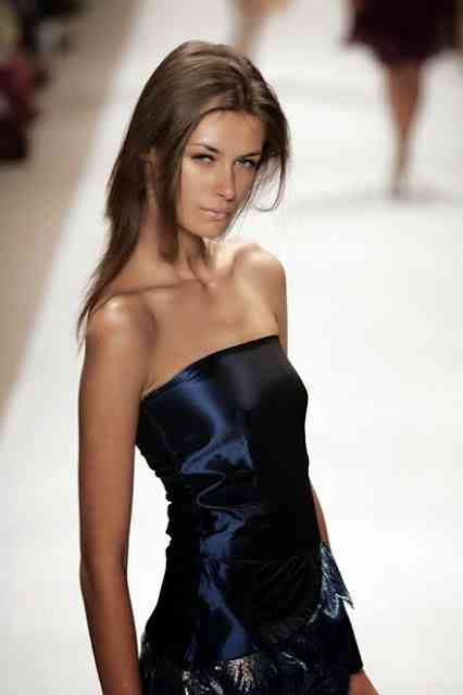 model elena baguci