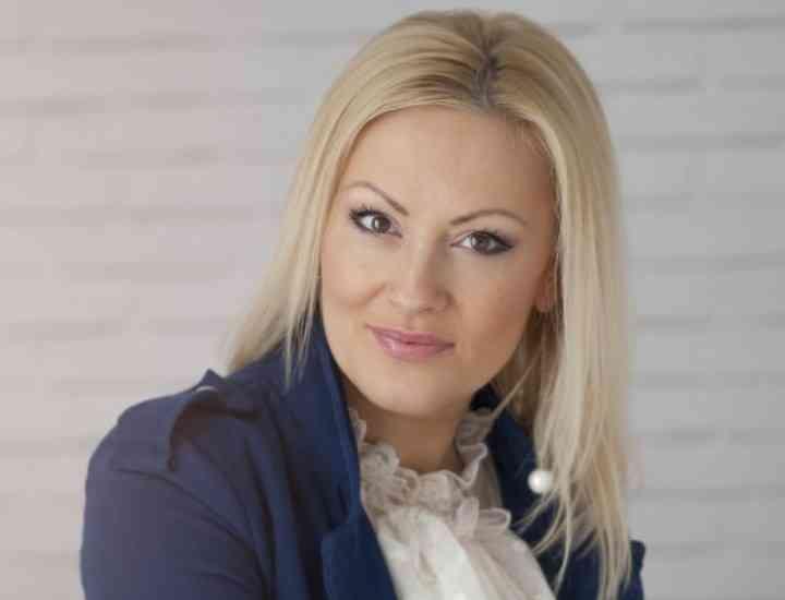 Tina Olari