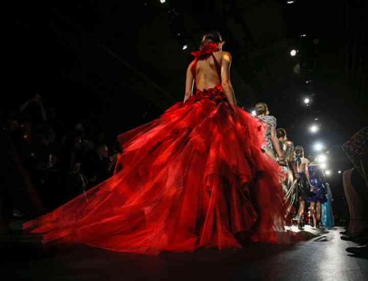 Colecția Marchesa – rochii eterice și feminine toamnă/iarnă 2016