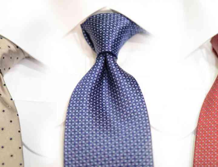 Cum se realizează nodul de cravată