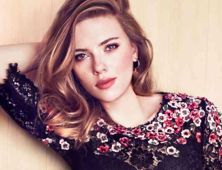 Scarlett Johansson: articolele vestimentare cheie ale stilului său