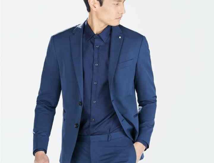 Cum se combină costumul bleumarin