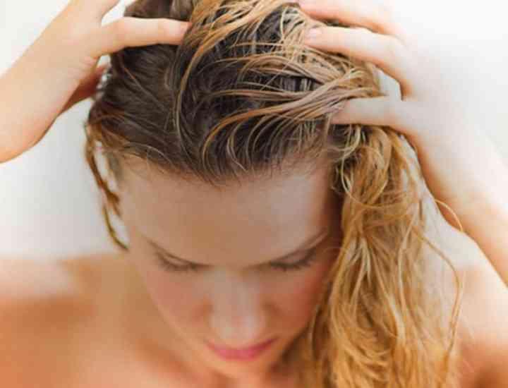 Exfoliere capilară pentru un păr perfect