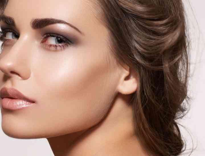 Machiaj pentru piele grasă cu acnee