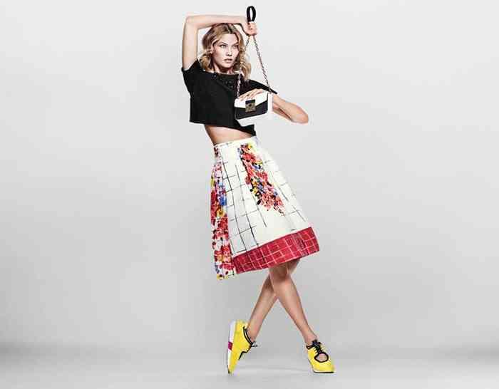 059db6c090b Campania Liu Jo pentru sezonul de primăvară, pare să fie proiectată pentru  femeia contemporană. Îmbrăcămintea în sine este foarte personală, făcând  apel la ...