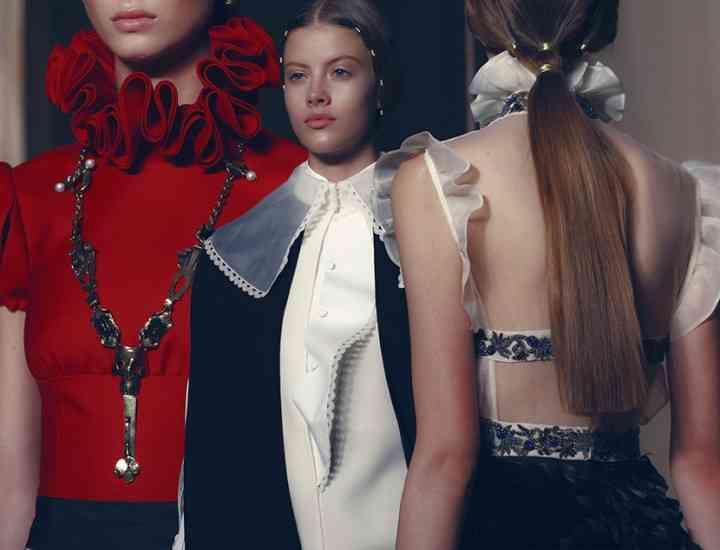 Colecția Valentino Couture pentru toamna 2016 de la Paris