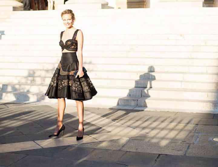 Rochiile negre, rochiile total black cele mai estivale