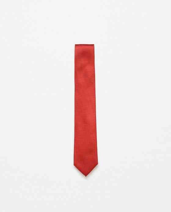 cravata-rosie-zara