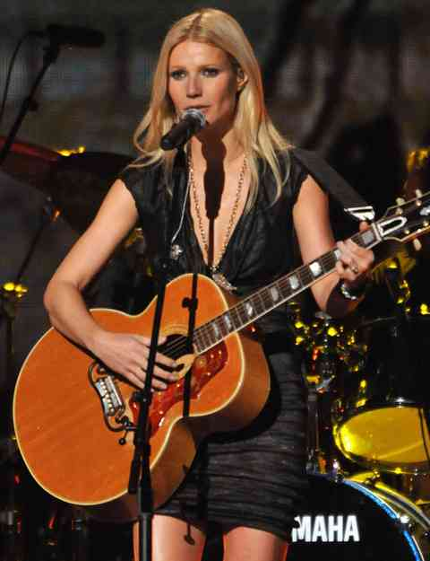 gwyneth-paltrow-cantareata