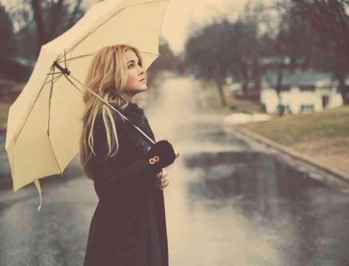 Idei cool de ținută pentru zilele ploioase de toamnă