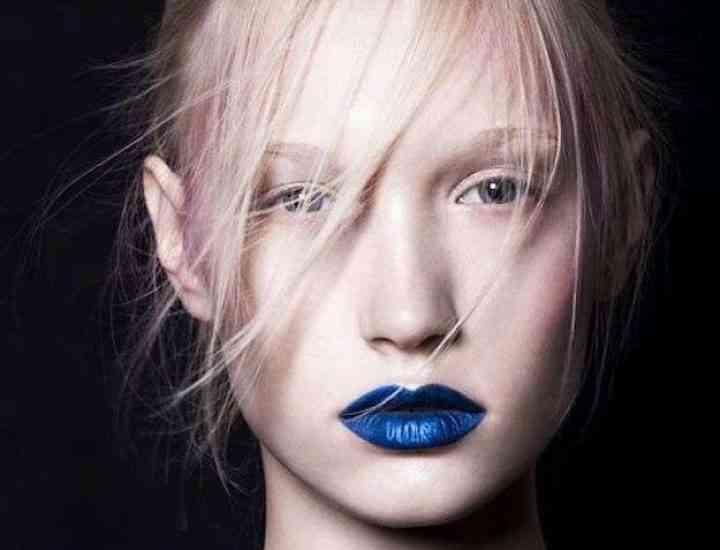 Blue Lips: Tendința buzelor albastre