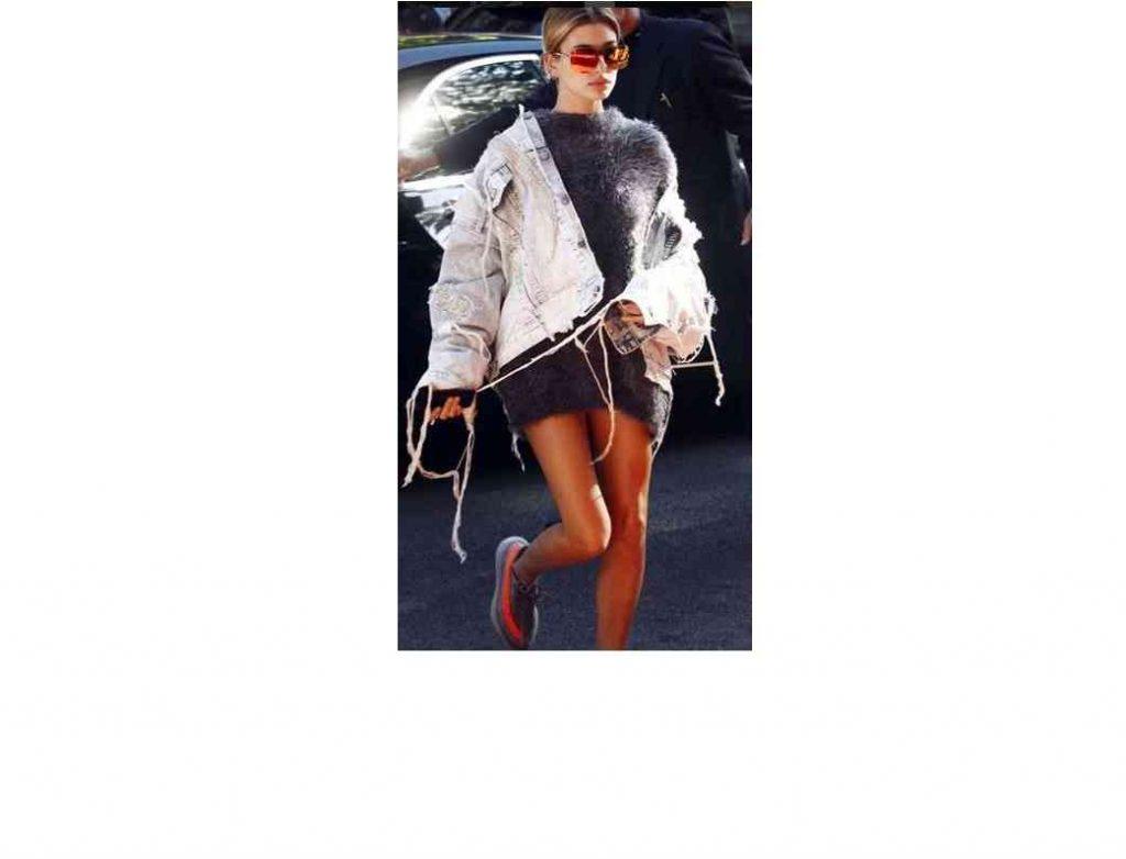 hailey-baldwin-rochie-pulover