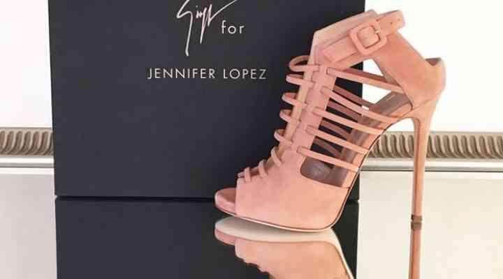 Linia de pantofi Giuseppe Zanotti x Jennifer Lopez a fost lansată!