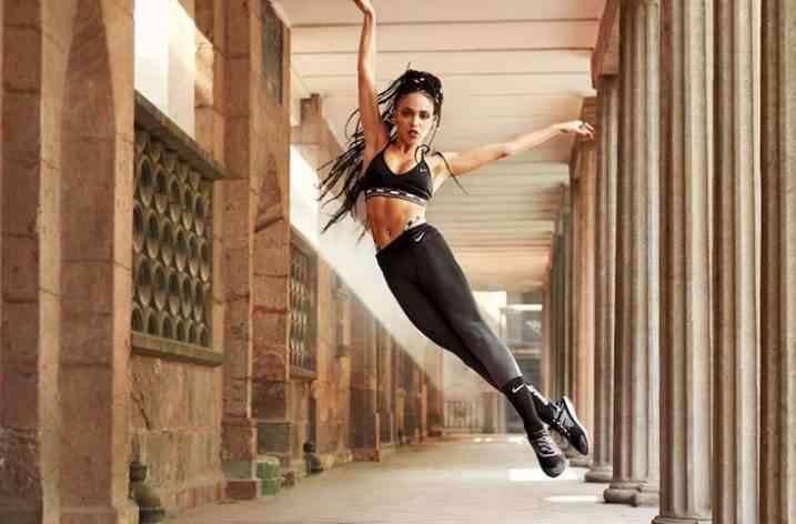 Nike lansează colanții Nike Zonal Strength în colaborare cu FKA Twigs