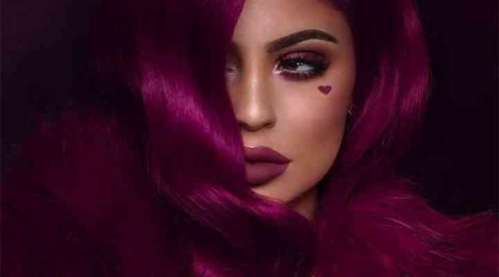 Kylie Jenner lansează o colecție de machiaj pentru Ziua Îndrăgostiților