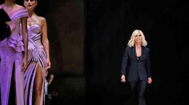 Versace renunță la prezentările Haute-Couture