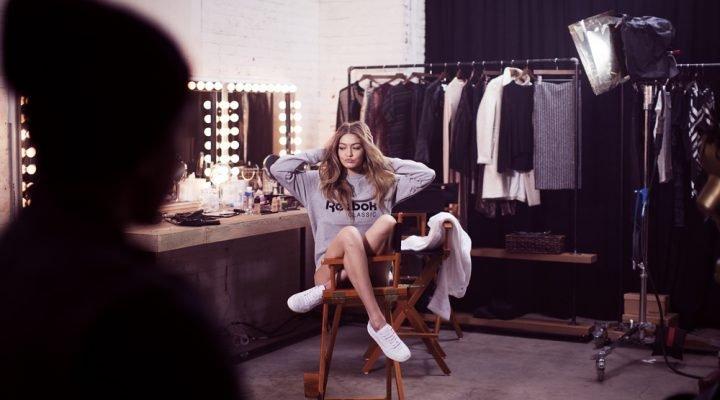 Reebok lansează o campanie de adidași de primăvară / vară cu Gigi Hadid