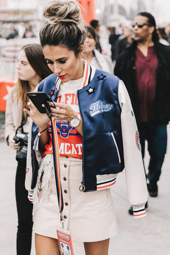Jachete bomber la modă