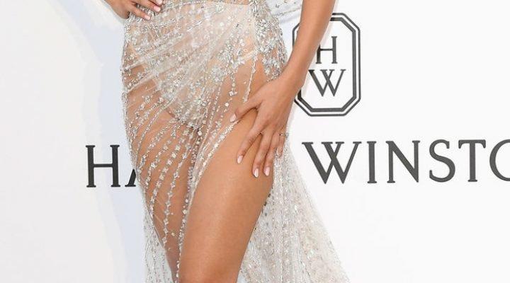 Cele mai îndrăznețe rochii transparente purtate de celebrități