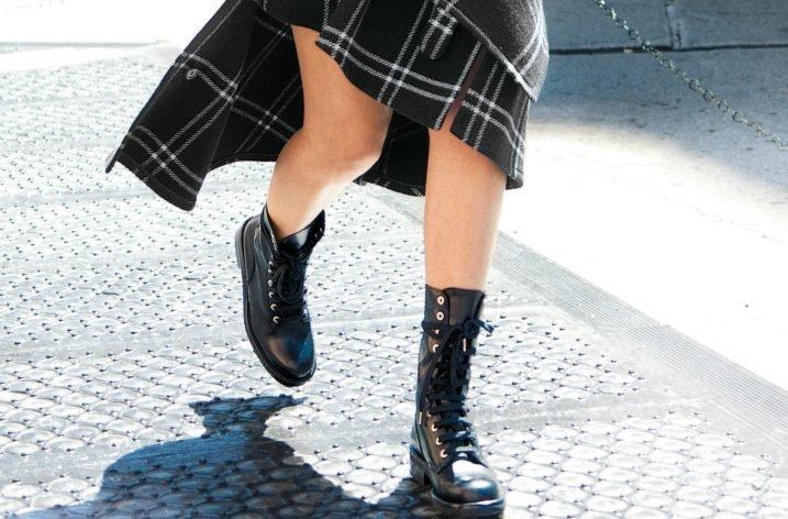 Bocanci la moda 2018 – Inspira-te de la vedete cum sa porti o pereche de bocanci