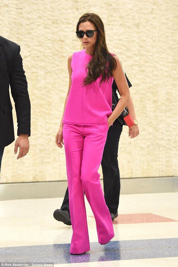 cum sa porti haine roz